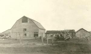 Farm 5 miles northeast of Grande Prairie 1926
