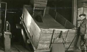 Unloading grain at the Grande Prairie Pool elevator